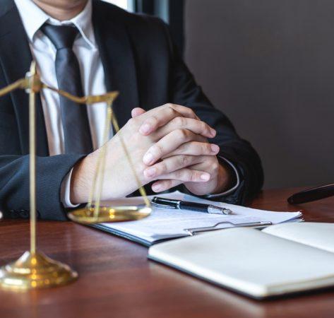 Litige entreprise : les raisons de faire appel à un avocat