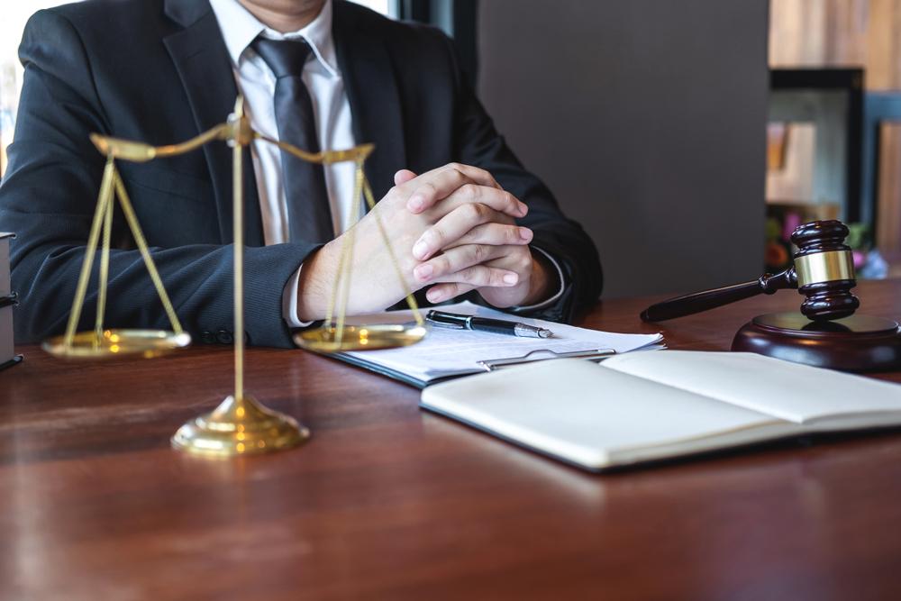 Le rôle médiateur d'un avocat dans un conflit