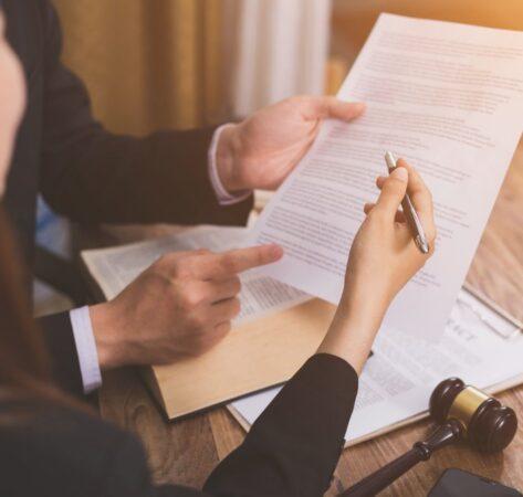 Les personnes autorisées à donner des conseils juridiques